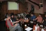 Účastníci Internet Session v salónku restaurace Gingilla, kde se akce konala.